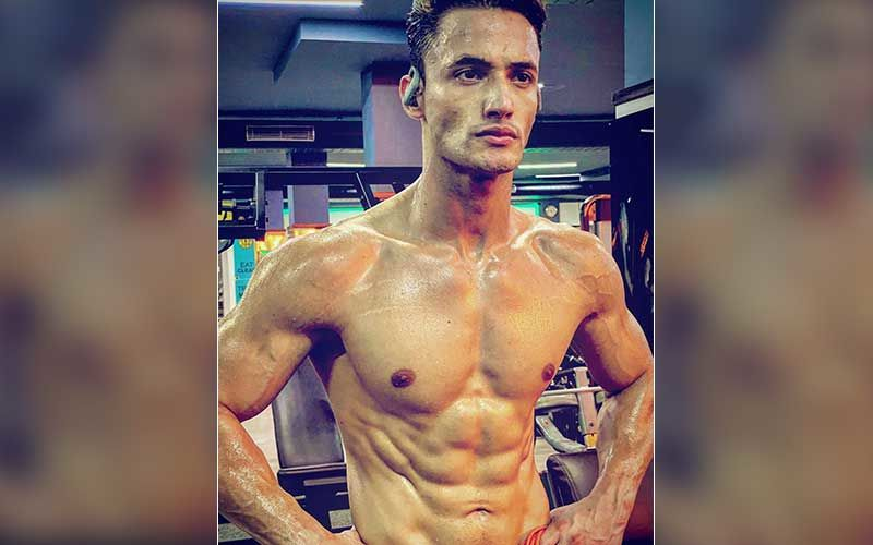 Bigg Boss 13's Asim Riaz Teases Fans By Flaunting His Sculpted Abs In Shirtless Pictures; Fan Says: 'Hay Garmi'