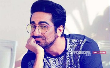 WHAT! Bollywood Actor Ayushmann Khurrana Steps Out In A Saree