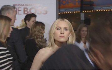 Kristen Bell slaps a reporter. Ouch!