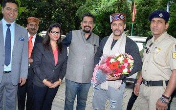Look Who Visited Salman Khan in Manali