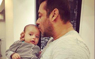 Mamu Salman kissing nephew Ahil