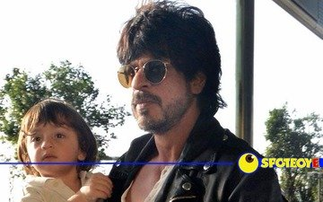 SRK-AbRam's 'Aww' Moment at the airport