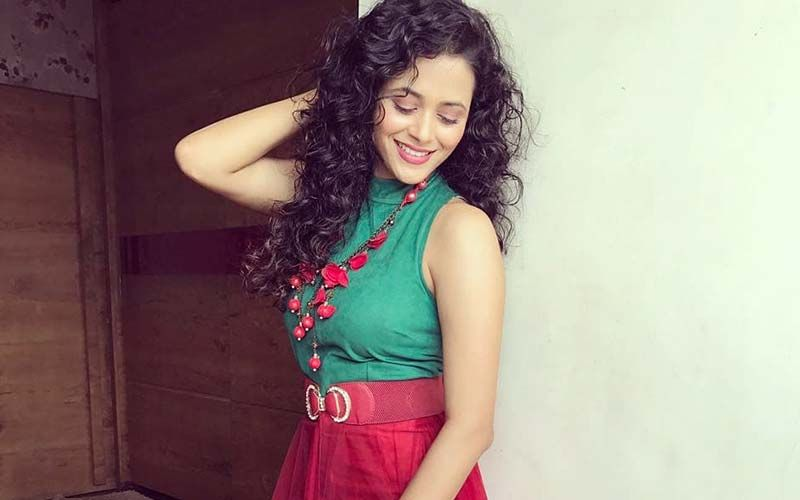 Jaago Mohan Pyare Actress Deepti Devi Flaunts Her Luscious Curves In This Gorgeous Sheer Dress