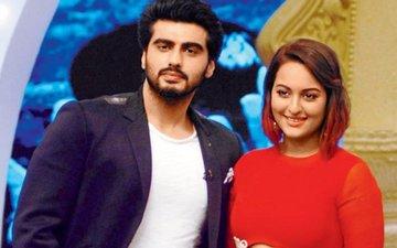 Arjun Attends Ex-Girlfriend Sonakshi's Screening Of Akira