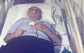 बॉलीवुड के मशहूर ज्योतिषाचार्य बेजान दारूवाला को आया ब्रेन स्ट्रोक, हॉस्पिटल में भर्ती