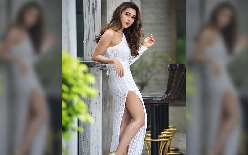 Mimi Chakraborty Shares Beautiful Pictures Of Nature, Calls It 'Precious Light'