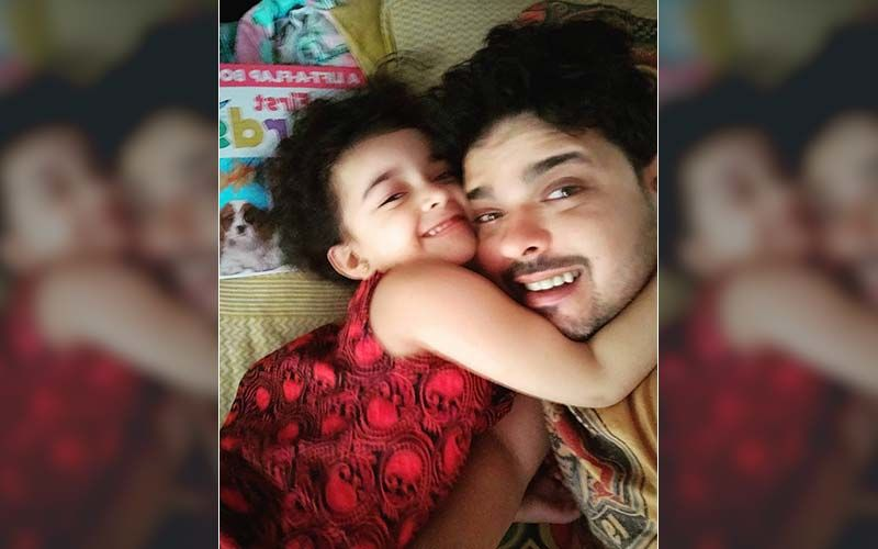 Adwait Dadarkar's Daughter Sings The Pirate Song For Her Baba's Lockdown Birthday