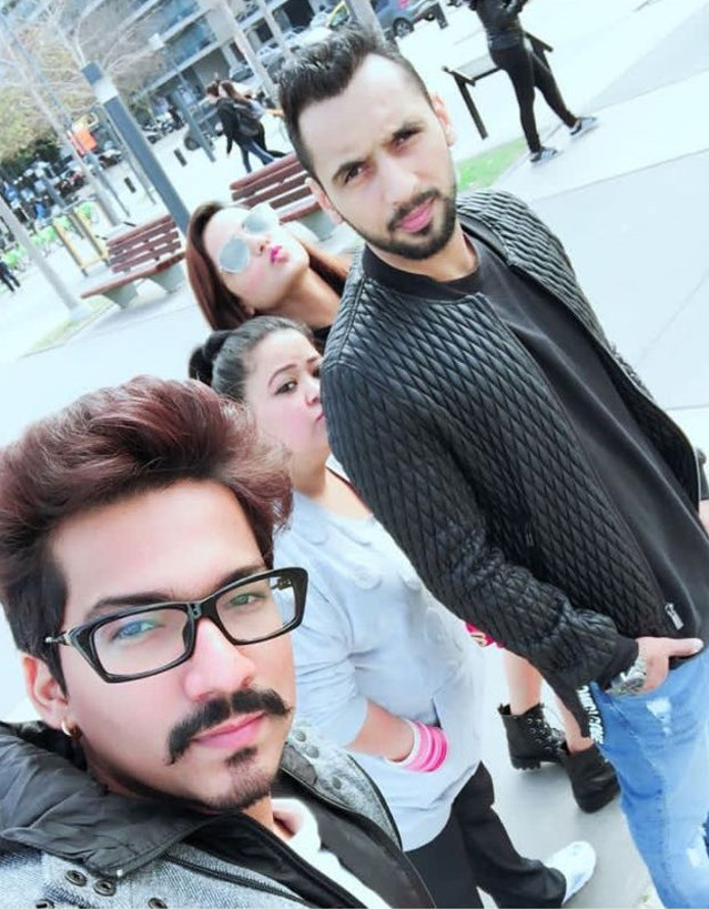 bharti singh with harsh limbachiyaa and jasmin bhasin