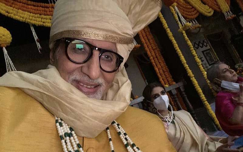 Amitabh Bachchan Poses For A Cool Selfie With Wife Jaya Bachchan And Daughter Shweta Bachchan Nanda As Family Shoots Together