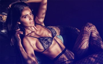 Hotness Alert! Bruna Abdullah Looks Irrevocably Sexy In Her Photo Shoot