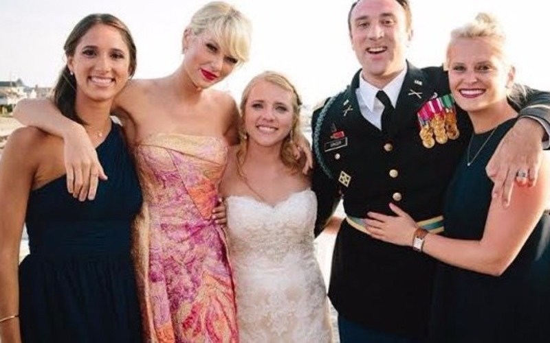 Taylor Swift gatecrashes her fans' wedding