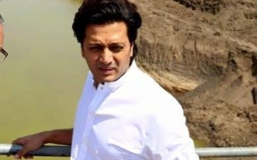 Riteish donates Rs 25 lakh for drought relief in Latur