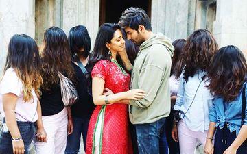 Bhool Bhulaiyaa 2: Kartik Aaryan Shares Romantic Pic With Kiara, Warns 'Itne Andhe Mat Ho Jao, Ki Chudail Na Dikhe'