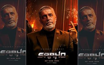 फिल्म साहो से चंकी पांडे का पहला पोस्टर हुआ आउट, हाथ में सिगार पकड़े अलग अंदाज़ में आए नज़र