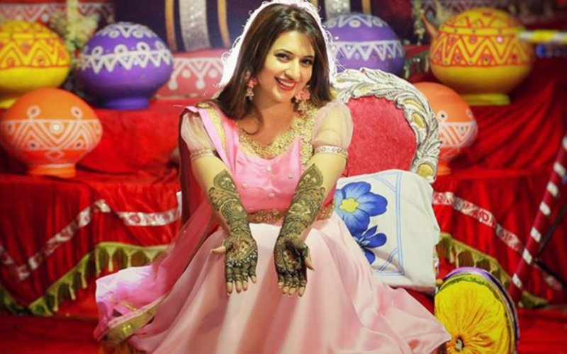 IN PICS: It's Mehendi time for Divyanka Tripathi!