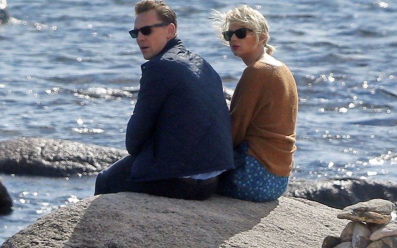 Taylor Swift chilling with Tom Hiddleston video is #RomanceGoals