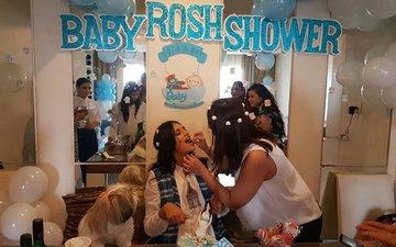 PIC ALERT: Baby shower for mommy-to-be Roshni Chopra