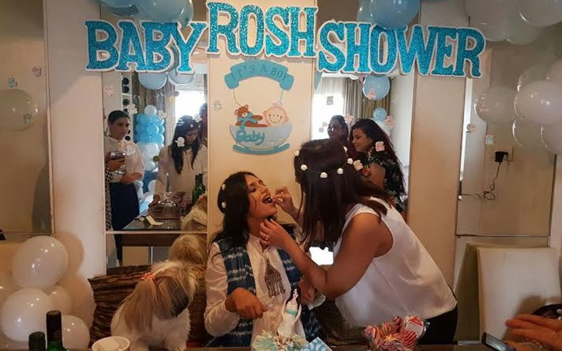PIC ALERT: Baby shower for mommy-to-be Roshni Chopra