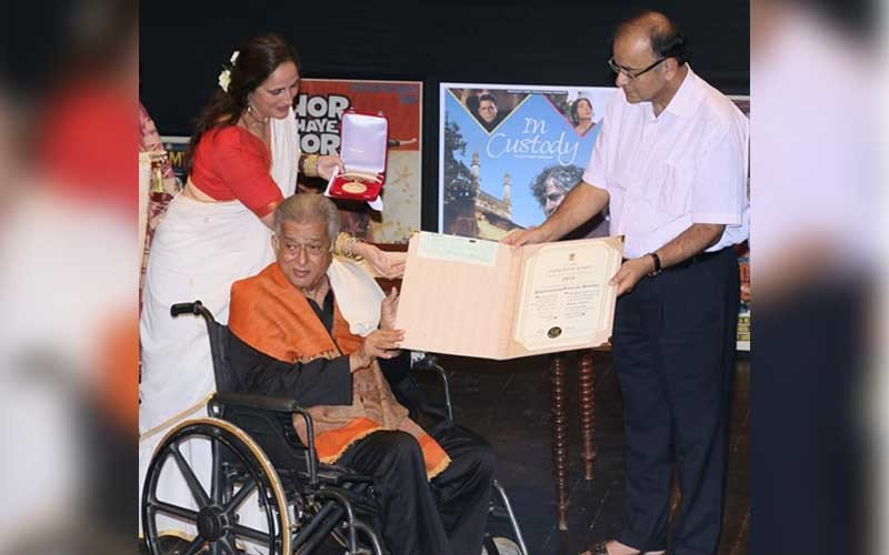 Shashi Kapoor Receives Dadasaheb Phalke Award From Arun Jaitley