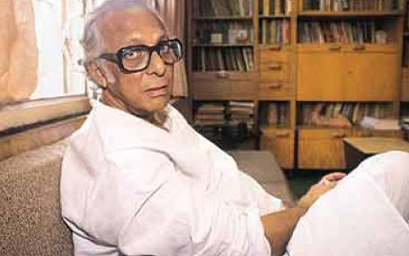 Family dismisses news of Mrinal Sen's demise as a rumour