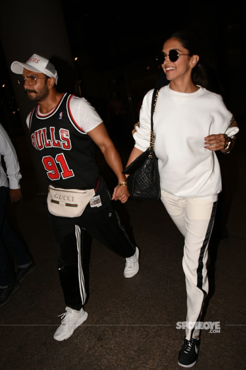 deepika and ranveer snapped at mumbai airport