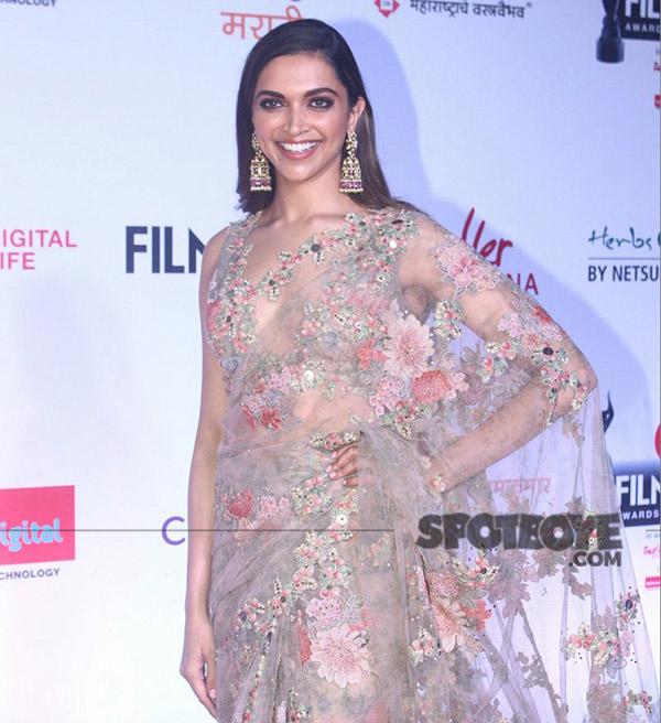 deepika padukone at jio filmfare marathi awards 2017