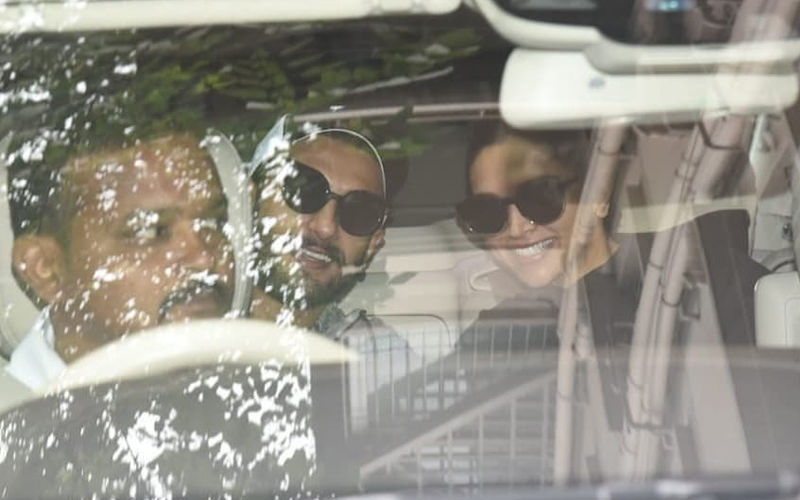 Deepika Padukone-Ranveer Singh Leave For Bengaluru Reception Venue And We Are An Excited Bunch Already