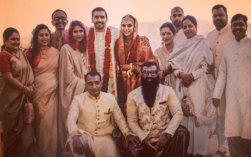 Deepika Padukone- Ranveer Singh Wedding: Newlyweds' Latest Picture With Their Gang Of Friends