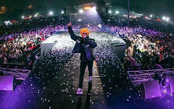 Diljit Dosanjh's Bhangra Groove Wins The Capital; Watch Crackling VIDEOS From His Delhi Concert