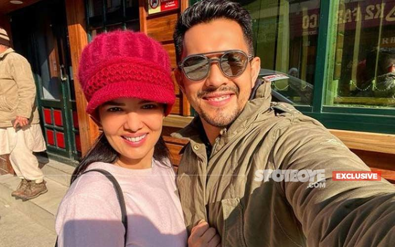 Valentine's Day 2021: Aditya Narayan Creates A Love Song For His Wife, Says He Will Cuddle With Shweta In Bed At Night While Watching Casablanca - EXCLUSIVE