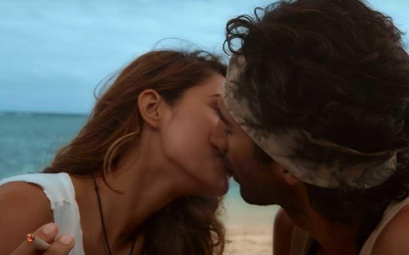 Malang Title Track: Aditya Roy Kapur's Washboard Abs And Disha Patani's Sexy Beach Walk Are Internet-Winning Material