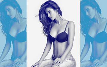 "Disha Patani Is In Bed With Someone &  Singing ""Kiss Me"""