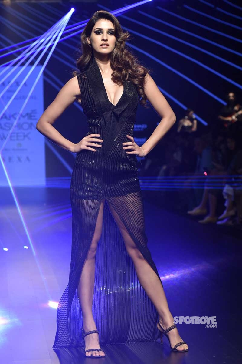 disha patani walks the ramp for lakme fashion week 2018