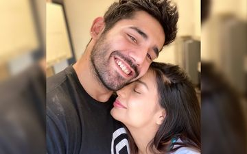 Divya Agarwal Goofs Around With Boyfriend Varun Sood In Bed; The Two Can't Stop Giggling – VIDEO