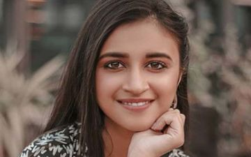Darling: Ritika Shrotri Promotes Her Upcoming Marathi Film Looking A Perfect Score