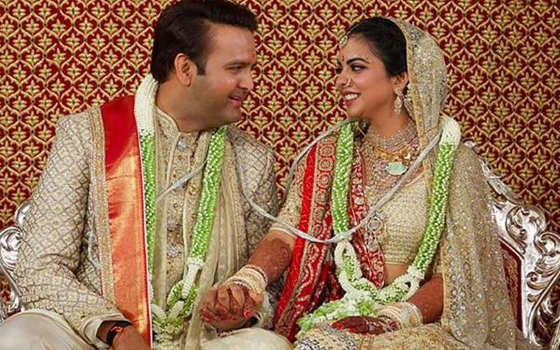 Isha Ambani-Anand Piramal Wedding Reception LIVE UPDATES: Esha Deol, Sunny Deol, Jaya Bachchan Have Just Walked In