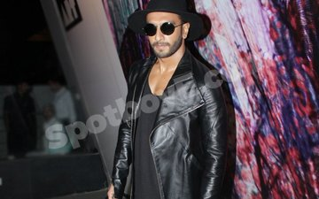 Ranveer Singh caught cheating!!!