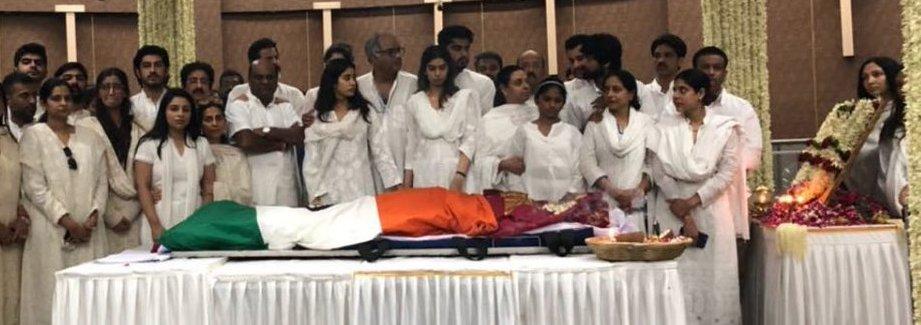 entire kapoor family saying sridevi their final goodbye