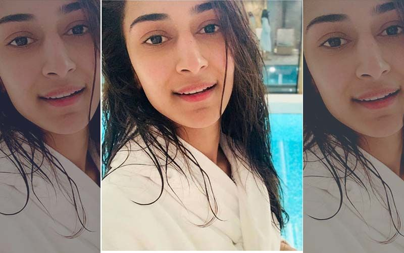 Erica Fernandes Posts An After-Swim Selfie And It's Winning Hearts!