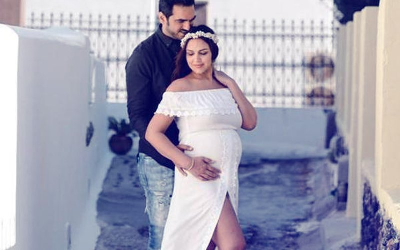 Esha Deol & Bharat Takhtani Blessed With A Baby Girl!