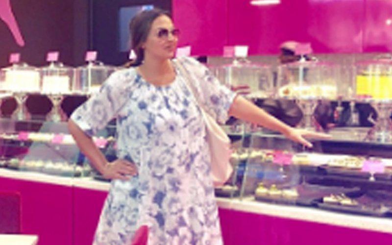 Pregnant Esha Deol : I Didn't Tell Mom & Dad That I Was