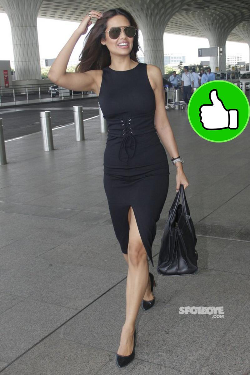 esha gupta at mumbai airport