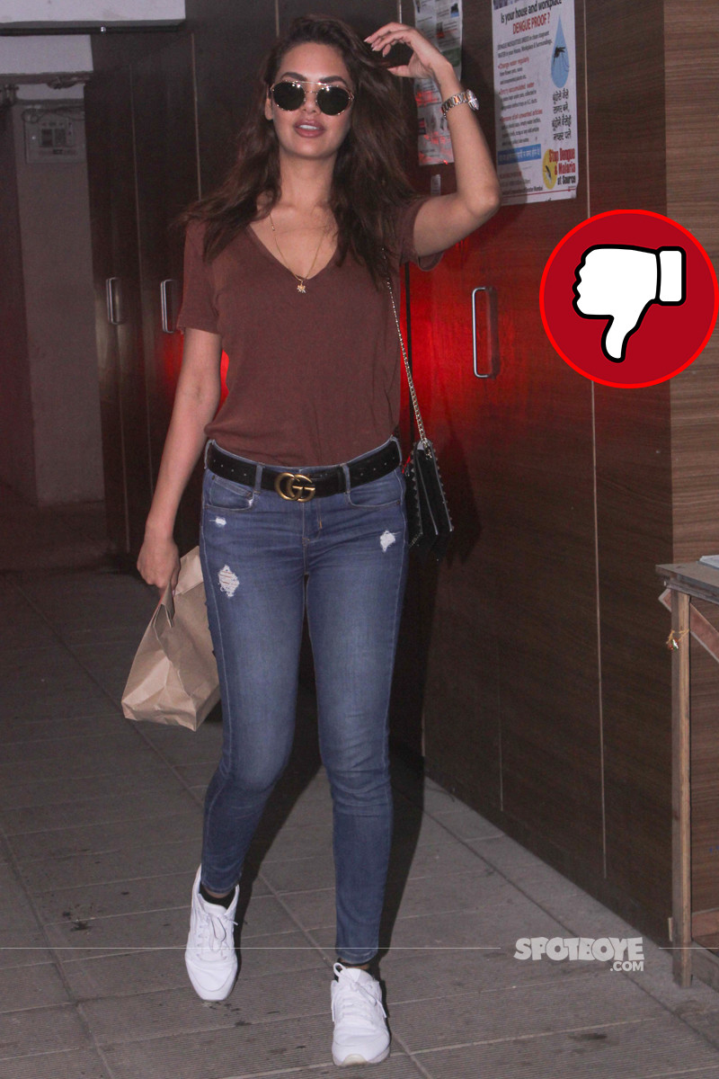 esha gupta spotted in bandra