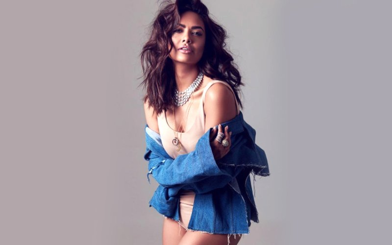Airforce Officer's Daughter And Skin Show? Esha Gupta Gets Trolled AGAIN!