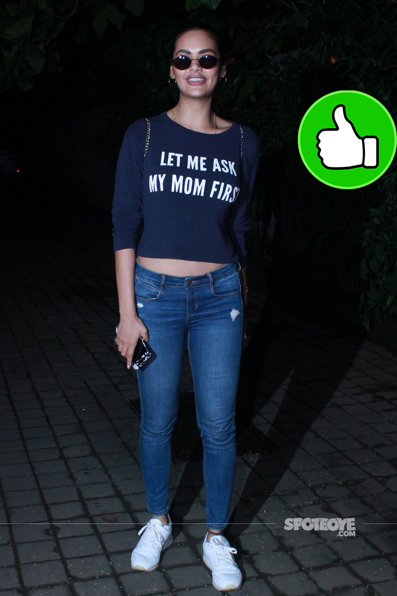 esha gupta was spotted in juhu