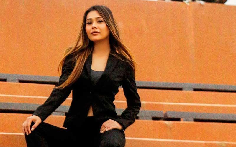 Bigg Boss Fame Sara Khan's Emotional Outburst After Opening Up On Lip Job Gone Awry, 'We Actors Also Deserve A Second Chance'