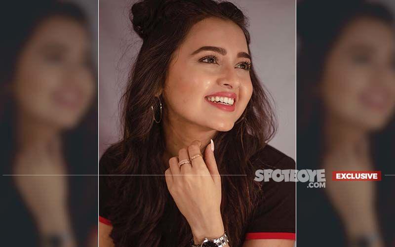 """Tejasswi Prakash: """"My Cheeks Make Me Look Fat On Screen, People Have Told Me, 'Aap Kam Khao, Mote Lagte Ho TV Par'""""- EXCLUSIVE"""