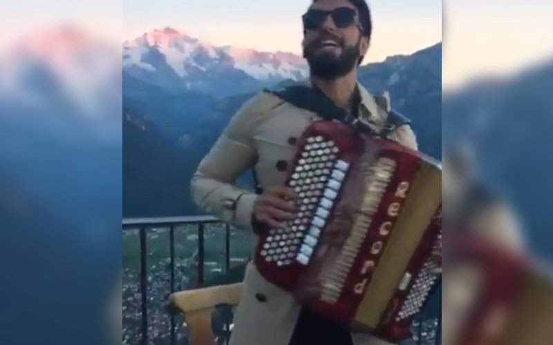 VIDEO: Ranveer Singh Singing Aamir Khan's Famous Song Will Bring A Smile To Your Face!