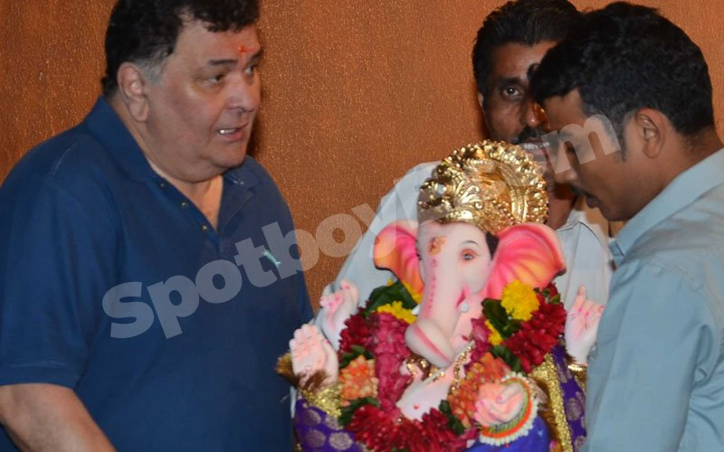 IN PICS: Rishi Kapoor Bids Farewell To Bappa