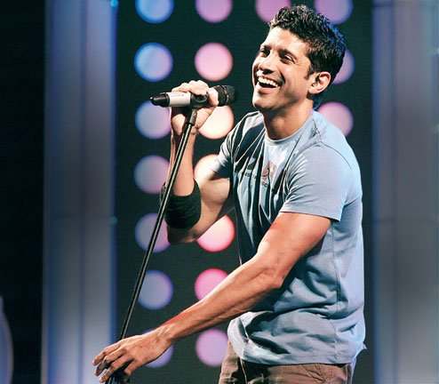 farhan akhtar singing